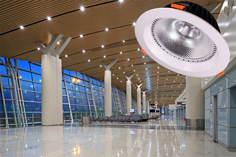 重庆机场8寸筒灯60w 超高光效工程专用筒灯